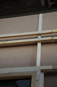 Décalage des liteaux horizontaux sur la ligne de raccordement du bardage supérieur et du bardage inférieur