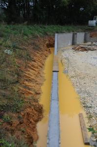 Nous avons eu beaucoup, beaucoup de chance avec le temps... Une telle quantité d'eau pendant le coulage des fondations aurait été problématique...
