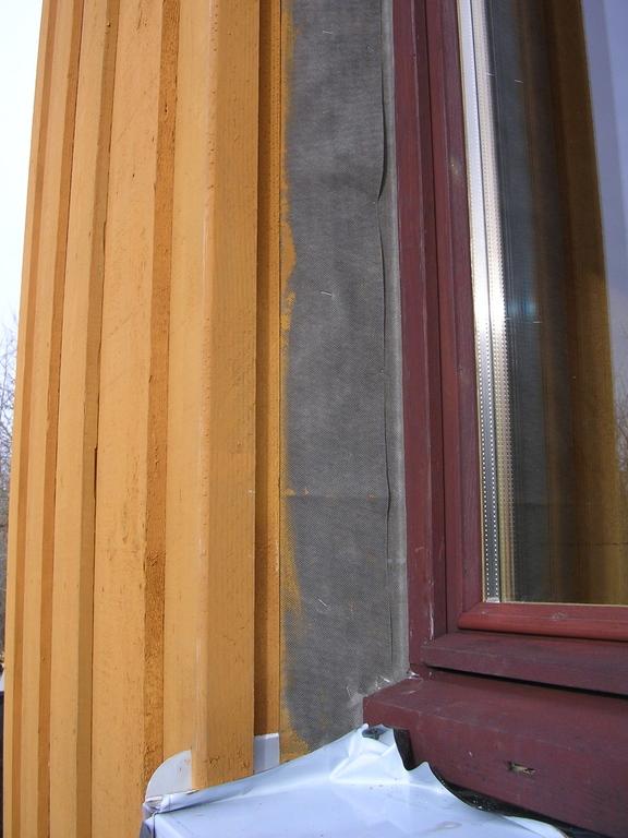 Tableaux de fen tres en bardage maison poyaudine for Moisissure fenetre bois