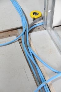 Chemin de lignes électriques au sol